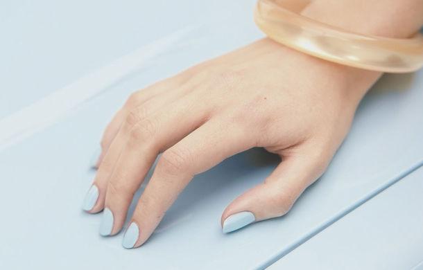 Ți-a sărit vopseaua? Renault a lansat o ojă de unghii care poate corecta zgârieturile de pe caroserie - Poza 5