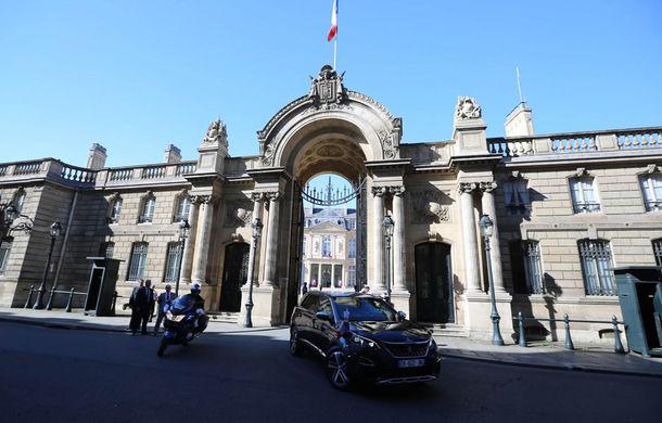 Exemplu de naționalism: Emmanuel Macron, președintele Franței, va conduce un Peugeot 5008 - Poza 1