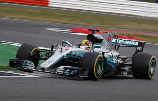 Hamilton, pole position la Silverstone în fața lui Raikkonen și Vettel. Bottas, locul 9 după o penalizare pe grilă - Poza 1