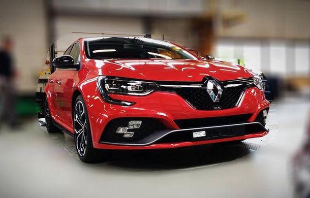 Primele imagini fără camuflaj cu noua generație Renault Megane RS: sportiva are schimbări minore de design - Poza 1
