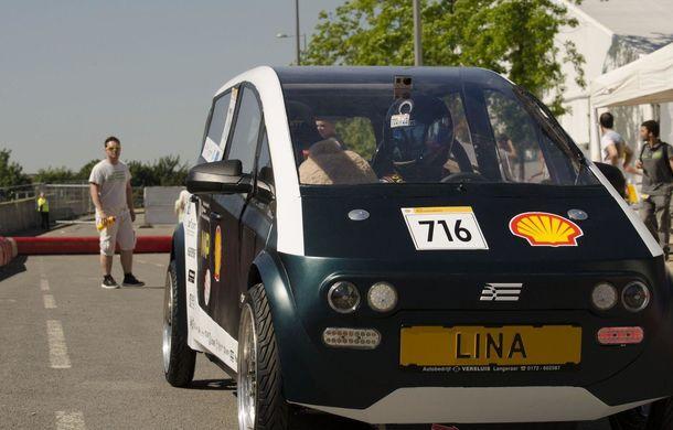 Mașina biodegradabilă a fost inventată în Olanda: Lina este electrică și a fost construită din sfeclă de zahăr și pânză de in - Poza 19