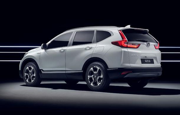 Honda CR-V Hybrid Prototype: noua generație a SUV-ului japonez va avea versiune hibridă și va renunța la propulsia diesel - Poza 4