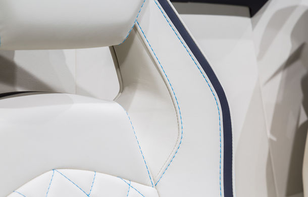 Lamborghini prezintă noul Aventador S Roadster: 740 CP și 3.0 secunde pentru 0-100 km/h (UPDATE FOTO) - Poza 11
