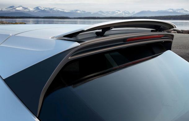 Vârf de lance: Porsche a lansat noul Cayenne Turbo cu 550 de cai putere - Poza 8
