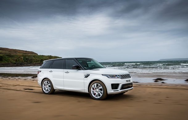 Întrecere inedită: Range Rover Sport facelift PHEV își măsoară forțele cu doi înotători - Poza 11