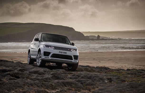 Întrecere inedită: Range Rover Sport facelift PHEV își măsoară forțele cu doi înotători - Poza 9