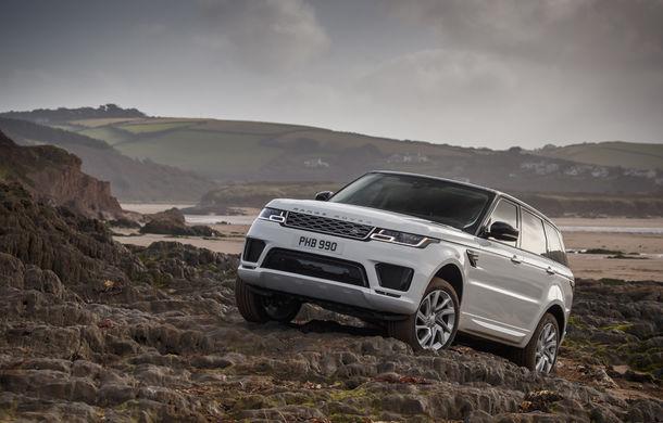 Întrecere inedită: Range Rover Sport facelift PHEV își măsoară forțele cu doi înotători - Poza 10