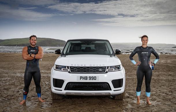Întrecere inedită: Range Rover Sport facelift PHEV își măsoară forțele cu doi înotători - Poza 6