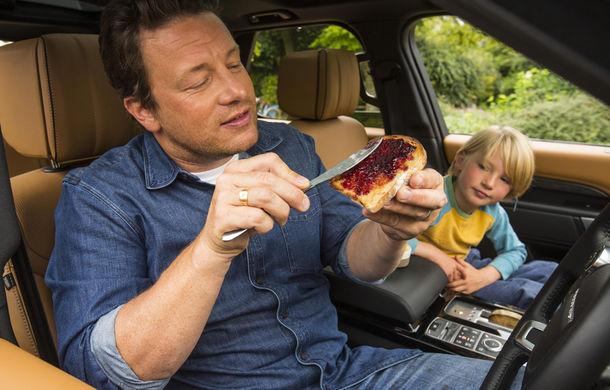 Un Land Rover Discovery croit după chipul și asemănarea lui Jamie Oliver: visul oricărui chef pasionat de mașini - Poza 17