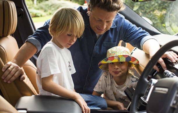 Un Land Rover Discovery croit după chipul și asemănarea lui Jamie Oliver: visul oricărui chef pasionat de mașini - Poza 18