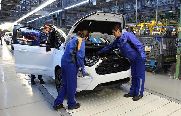 Un nou start: Fabrica Ford din Craiova a produs astăzi primul exemplar EcoSport european - Poza 3