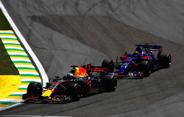 """Red Bull: """"Ricciardo este cel mai bun pilot la depășiri din Formula 1"""" - Poza 1"""