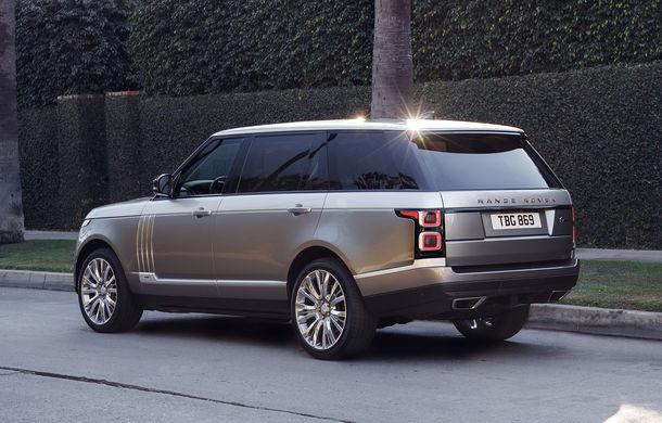 O nouă definiție a luxului: primele imagini cu Range Rover SVAutobiography facelift - Poza 4