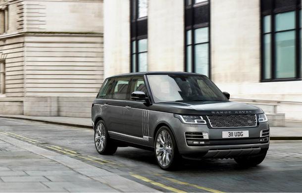 O nouă definiție a luxului: primele imagini cu Range Rover SVAutobiography facelift - Poza 1