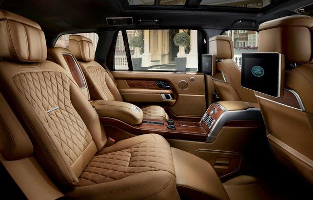 O nouă definiție a luxului: primele imagini cu Range Rover SVAutobiography facelift - Poza 13