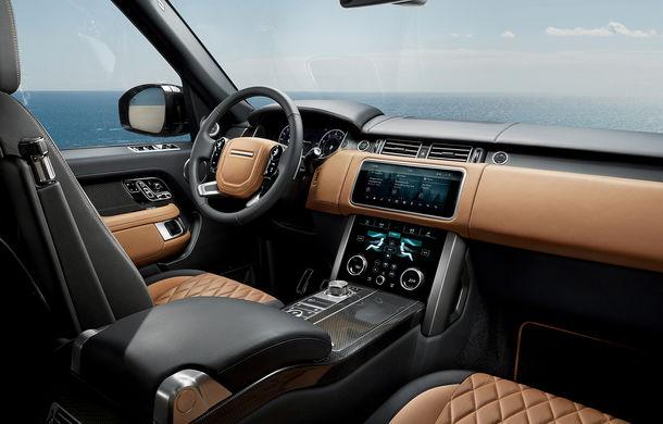 O nouă definiție a luxului: primele imagini cu Range Rover SVAutobiography facelift - Poza 12