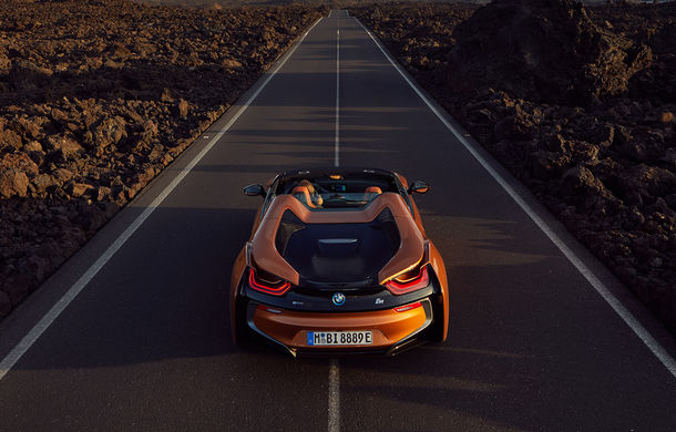 BMW i8 facelift și i8 Roadster: mai multă putere, autonomie mai mare și consum redus - Poza 35