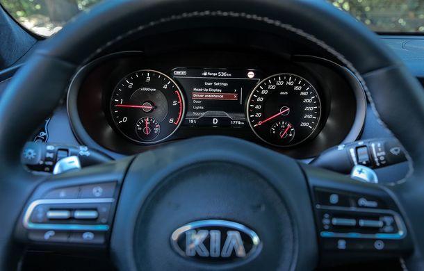 Prim contact cu Kia Stinger, cel mai rapid Kia din istorie: grand tourer cu aspirații premium - Poza 47