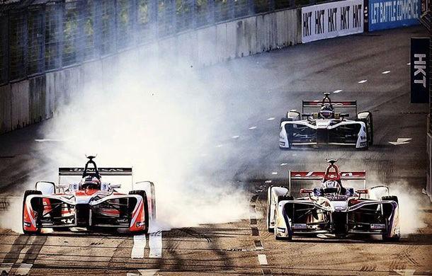Noul sezon de Formula E a început cu controverse: steag roșu pentru un ambuteiaj pe circuit și descalificare pentru câștigătorul cursei - Poza 1
