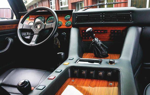 Cu gândul la Urus? Un Lamborghini LM002 din 1990 s-a vândut cu 467.000 de dolari - Poza 9
