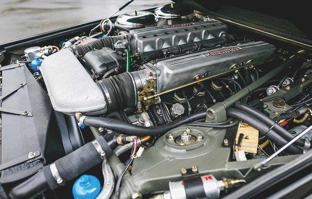 Cu gândul la Urus? Un Lamborghini LM002 din 1990 s-a vândut cu 467.000 de dolari - Poza 7