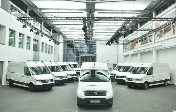 Volkswagen a livrat primele exemplare e-Crafter: motor de 134 CP și autonomie de circa 160 de kilometri - Poza 1