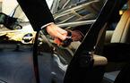 Mobilitate: Daimler a devenit acționar majoritar la Chauffeur Prive, echivalentul Uber din Franța
