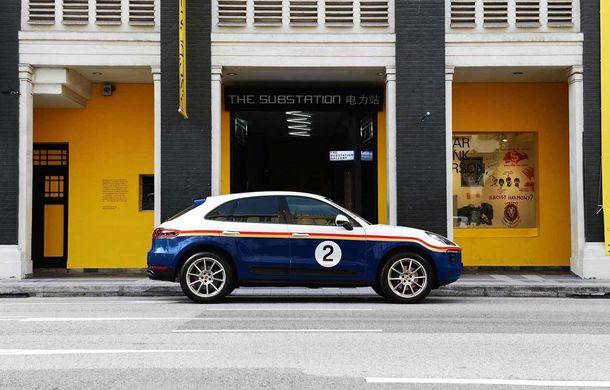 """Campanie în Singapore: Porsche Macan promovat cu ajutorul unor """"haine"""" celebre în motorsport - Poza 4"""