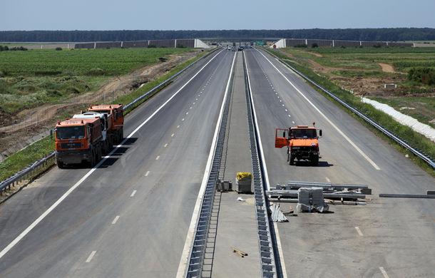 Autostrada Sebeș-Turda, un eșec înainte de deschidere: porțiuni cu benzi de numai 2 metri lățime și asfalt alunecos - Poza 1