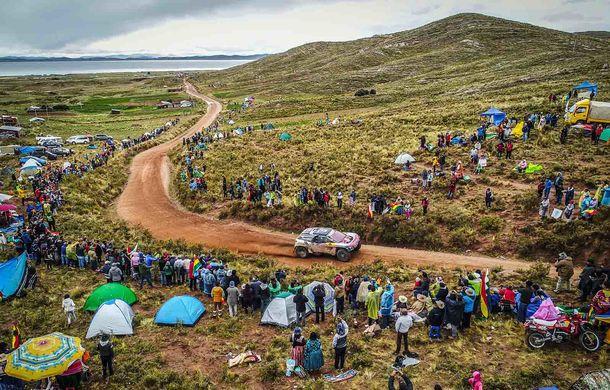 """Prima zi de pauză în Raliul Dakar: Peugeot domină cea mai dură competiție de rally-raid din lume cu ajutorul lui Stephane """"Mr. Dakar"""" Peterhansel - Poza 1"""