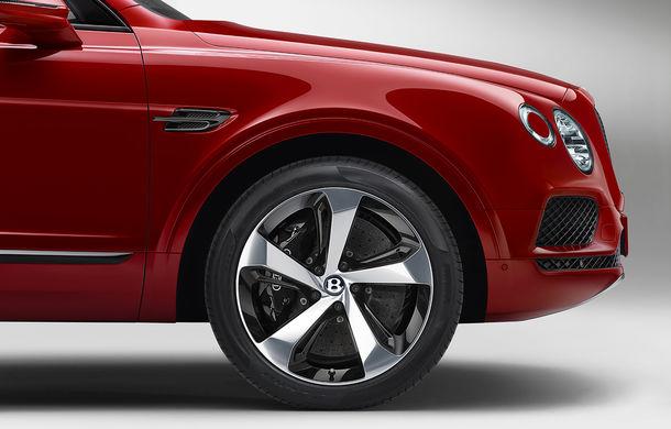 SUV-ul Bentley Bentayga primește un motor V8 pe benzină: 550 de cai putere și viteză maximă de 290 km/h - Poza 8