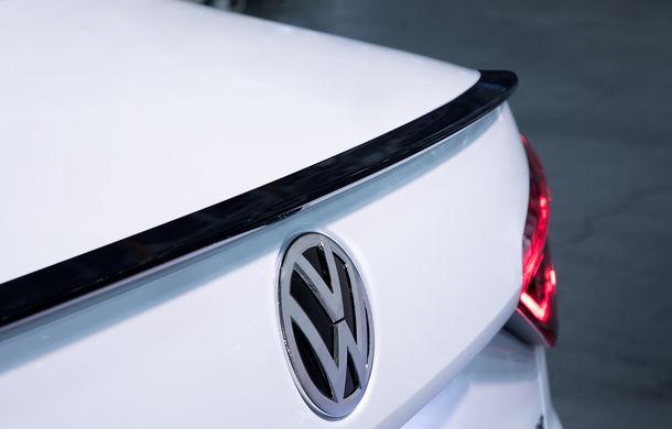 Volkswagen Passat GT: modelul german primește o versiune sportivă pentru clienții din Statele Unite - Poza 14