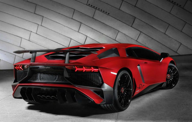Electrificare în gama Lamborghini: înlocuitorul lui Aventador va avea un sistem hibrid de propulsie - Poza 1