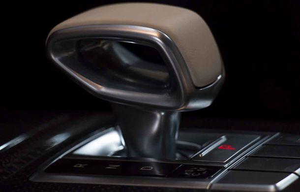 Un Mercedes-Maybach G650 Landaulet a ajuns în România: exemplarul poate fi admirat în cadrul galeriei Țiriac Collection - Poza 15