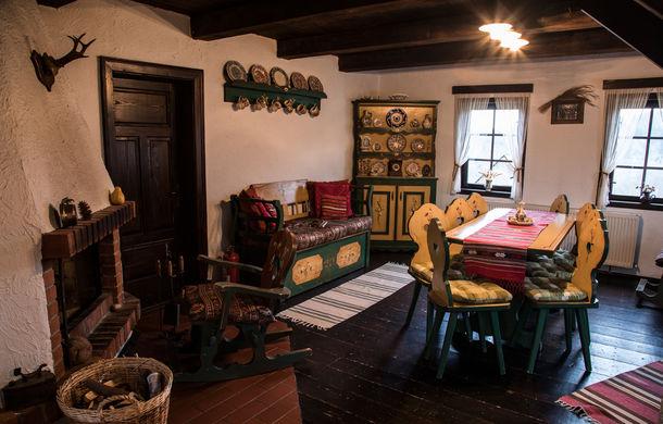 Cu noul Duster în creierii munților: spectacolul crestelor și călătorie în timp la casa de vacanță Căsuța Bunicii - Poza 25