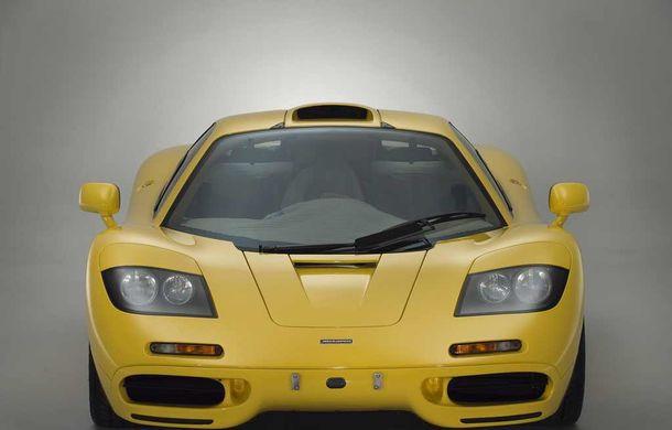 Singurul McLaren F1 încă neînmatriculat a fost vândut în Anglia. Produsă în 1997, mașina avea încă foliile de protecție la interior - Poza 11