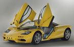 Singurul McLaren F1 încă neînmatriculat a fost vândut în Anglia. Produsă în 1997, mașina avea încă foliile de protecție la interior