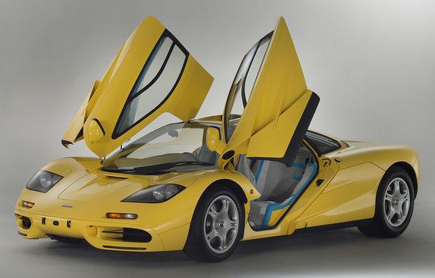 Singurul McLaren F1 încă neînmatriculat a fost vândut în Anglia. Produsă în 1997, mașina avea încă foliile de protecție la interior - Poza 1