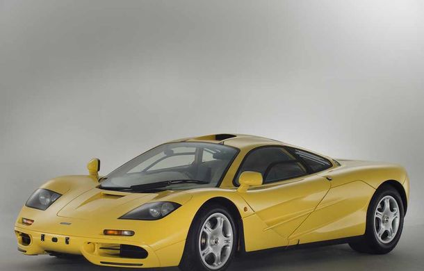 Singurul McLaren F1 încă neînmatriculat a fost vândut în Anglia. Produsă în 1997, mașina avea încă foliile de protecție la interior - Poza 4
