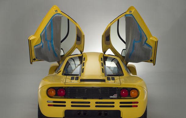 Singurul McLaren F1 încă neînmatriculat a fost vândut în Anglia. Produsă în 1997, mașina avea încă foliile de protecție la interior - Poza 14