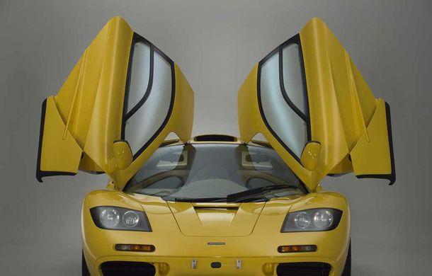 Singurul McLaren F1 încă neînmatriculat a fost vândut în Anglia. Produsă în 1997, mașina avea încă foliile de protecție la interior - Poza 12