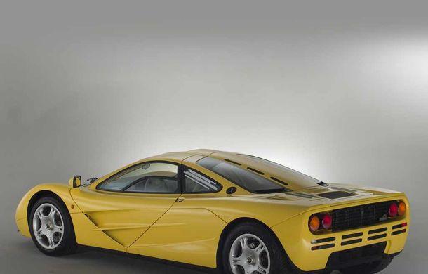 Singurul McLaren F1 încă neînmatriculat a fost vândut în Anglia. Produsă în 1997, mașina avea încă foliile de protecție la interior - Poza 6
