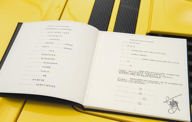 Singurul McLaren F1 încă neînmatriculat a fost vândut în Anglia. Produsă în 1997, mașina avea încă foliile de protecție la interior - Poza 34
