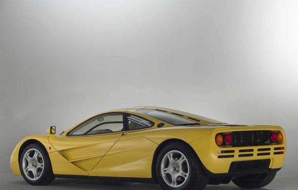 Singurul McLaren F1 încă neînmatriculat a fost vândut în Anglia. Produsă în 1997, mașina avea încă foliile de protecție la interior - Poza 5