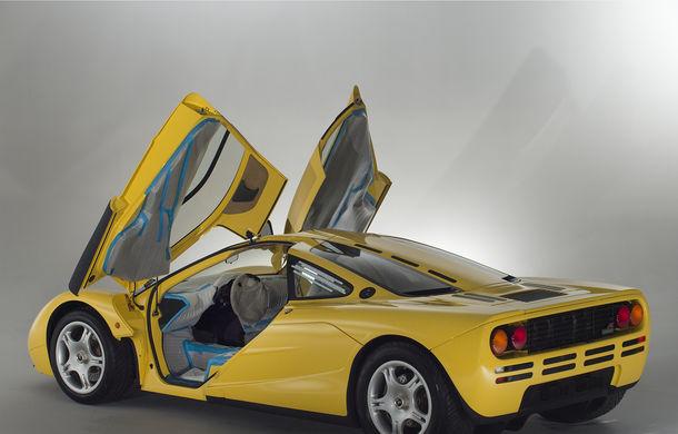 Singurul McLaren F1 încă neînmatriculat a fost vândut în Anglia. Produsă în 1997, mașina avea încă foliile de protecție la interior - Poza 7
