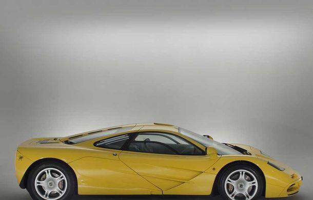 Singurul McLaren F1 încă neînmatriculat a fost vândut în Anglia. Produsă în 1997, mașina avea încă foliile de protecție la interior - Poza 9