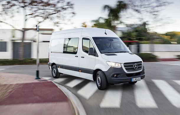 Noua generație Mercedes-Benz Sprinter: nemții introduc o variantă cu tracțiune față și tehnologii de ultimă de generație - Poza 1