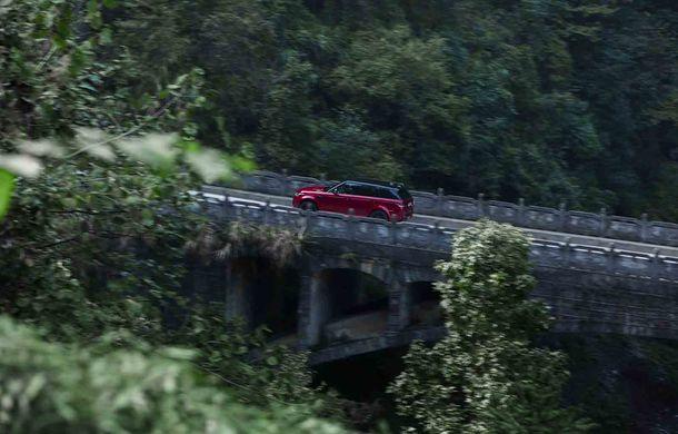"""Range Rover Sport PHEV a urcat 999 de trepte: hibridul de 400 de cai putere a ajuns la """"Poarta Raiului"""" - Poza 9"""