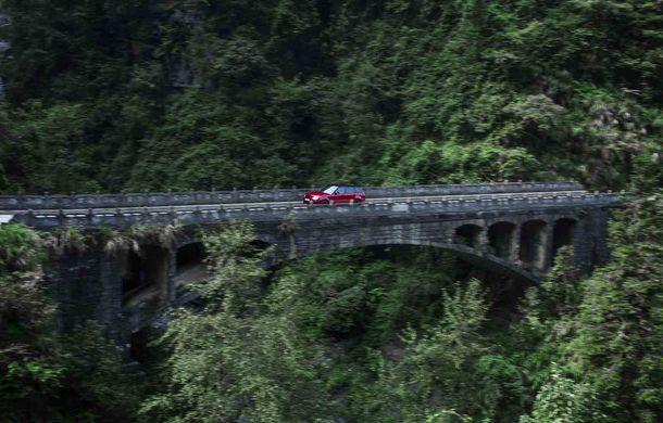 """Range Rover Sport PHEV a urcat 999 de trepte: hibridul de 400 de cai putere a ajuns la """"Poarta Raiului"""" - Poza 8"""