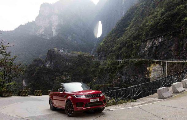 """Range Rover Sport PHEV a urcat 999 de trepte: hibridul de 400 de cai putere a ajuns la """"Poarta Raiului"""" - Poza 4"""